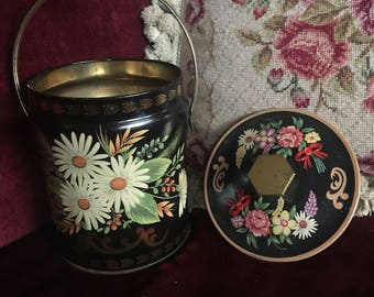 English Country Farmhouse Murray Allen England Floral Daisy Tin Box