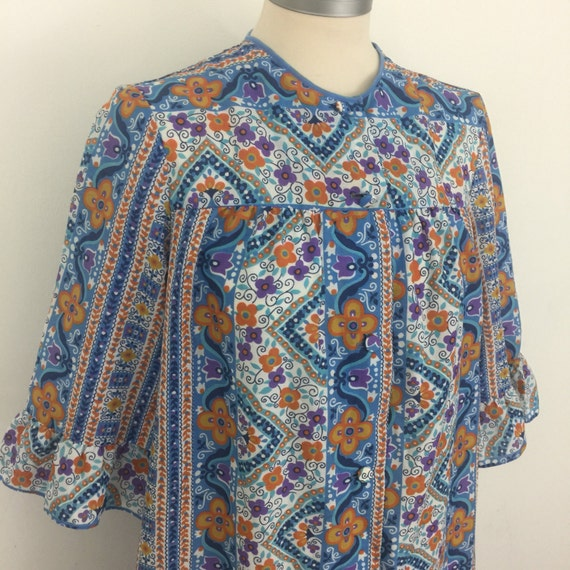 Mod 1960s robe housecoat flower power button front 60s psychedelic paisley cotton UK 10 12 dressing gown 1970s dressing gown smock