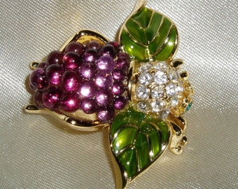 Joan Rivers Grape Bee Pin - S2004