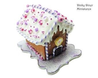 Christmas Gingerbread House (Purple) - Miniature 1:12 Scale Food