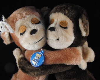 Vintage 1975 Dakin Hugging Monkeys