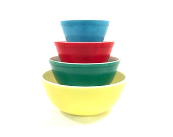 Vintage Pyrex Primary Color Mixing Bowls / Set of 4 Nesting Bowls / 401 402 403 404 / Red Yellow Blue Green / 1950s Kitchen