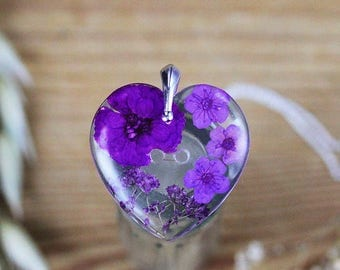 Real Flower Necklace - Purple Heart , Gifts for Her , Pressed Flower Necklace , Wildflower Necklace , Resin Pendant , Purple Necklace