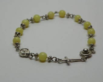 New Jade Light green Braclet wit silver colored Crucifix and snap clasp (RB4)