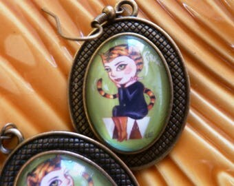 "Glass cabochon Earrings Pin-up ""Tigra""."