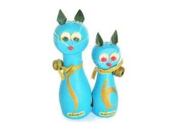 Magnetic Blue Google Eye Cat Salt and Pepper Shakers Vintage Wood wooden Jingle Bells Kitty Cat kitten Couple Mr & Mrs Figurine Figure Japan