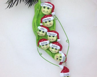 FREE SHIPPING 8 Family Peas in a Pod Personalized Christmas Ornament / Family of 8 Ornament / Large Family