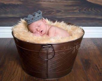 Newborn Crochet Crown Pattern