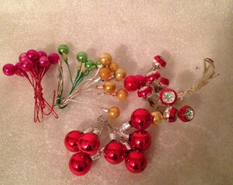 Vintage Christmas Balls on Wire Very Rare 7 Indented Balls on Wire