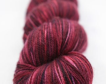 Hand-dyed yarn - superwash merino - variegated - lace - ANDALOUSIE