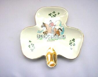Vintage Carrigaline Pottery Co Ltd shamrock plate trinket dish tray white gilt edged horse jumping pony riding design from Cork Ireland (X)