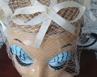 50s / 60s White Birdcage Veil Hat with Bows