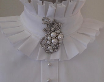 Show Hack Dressage Pleated Ruffles with Pearl and Crystal Brooch