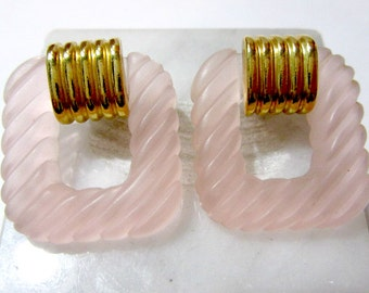 Pink Lucite Diagonal Ribbed Pierced Earrings Gold Tone Accent Vintage 1980's
