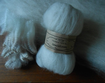 Pure Baby Alpaca Fibre for Spinning.  100g   White