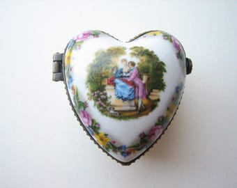 Vintage trinket box, porcelain jewel box, heart shaped box, jewelry box, porcelain vanity box, keepsake box, ceramic heart, porcelain heart