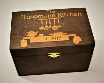 Custom Engrved Wooden Recipe Box. Wood Box Personalized and engraved holds 4x6 Recipe Cards