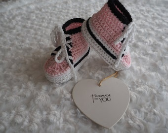 crochet baby booties/baby converse booties/baby cotton booties/baby shoes/baby boots/baby booties/baby shower gift/christening shoes.