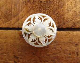 Vintage Vintage Small Carved Mother of Pearl Star Flower Brooch