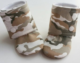Army Baby Booties, Baby Gifts, CamoBaby Slippers, Baby Crib Shoes, Baby Moccs, Baby, Camo Baby shoes, Army Camo Green Slippers, Camo Booties