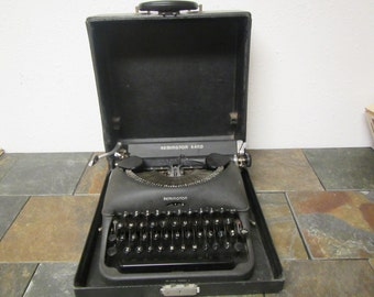 Remington Rand De Lux Model 5 Portable Typewriter in Carrying Case ***   1940s or 50s