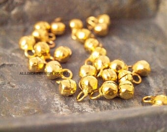 20 Gold 4-5mm Indian Dancing Bell Charms (SB282)