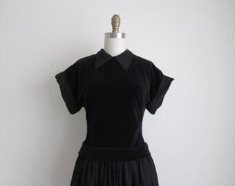 "CLEARANCE 1950s Party Dress / Vintage 1950s Dress / Black Velvet and Taffeta Dress 29"" Waist"