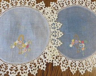 Doilies Blue Linen Embroidered Flower Baskets and Wide Hand Crocheted Lace Edging  //  Vintage Linen Doilies //  Round Doilies Cottage Decor