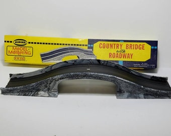 Free Shipping!! Aurora Model Motoring Country Bridge With Roadway HO Scale