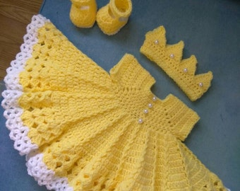 Crochet yellow baby set with pearl buttons... Perfect for Easter