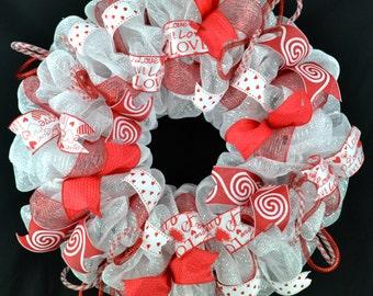 Valentine's Day wreath - Valentine decoration - Valentine party - Valentine gift for her - Red Valentine wreath - Heart wreath