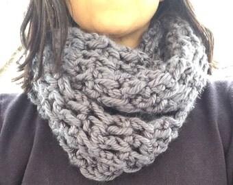 Blue infinity scarf, crochet scarf, crochet neckwarmer, crochet cowl, blue scarf, blue cowl, blue neckwarmer, infinity scarf, blue, crochet