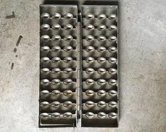 Vintage Easter Egg Metal Hinged Mold
