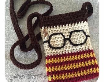 Crochet Harry Potter inspired mini sling purse.