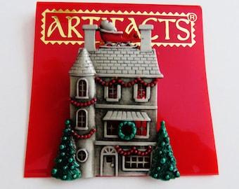 JJ Jonette Charming Victorian Christmas Decorated House Brooch Pin/HTF
