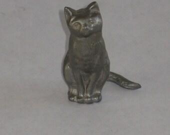 Vintage miniature pewter cat figurine American Pewter Co. Easton, Massachusetts