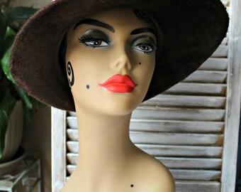 Vintage! Brown/velvet/wool/hat! Lovely hat! 1960s!