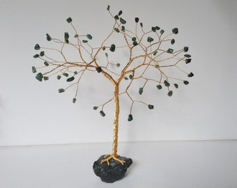 Emerald gemstone tree. Large Green wire tree sculpture. Green tree of life ornament. Wire art desk decor. Green and gold