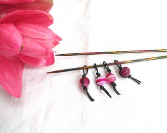 4 stitch markers, beads and waxed cotton cord, knitting stitch markers, bright pink colour, feelgood knitting tools, cheerful pink markers