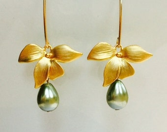 Bridesmaids Pearl and Orchid Earrings,14K Gold Filled Marquis Earrings,Dangling Sage Green Pearls,Matt Gold Orchid Flower,Bridal Jewelry Set