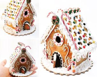 Dollhouse miniature . Gingerbread house!