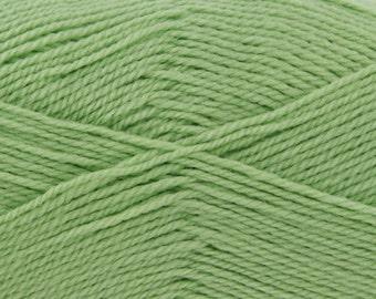 Knitting wool. Double knit wool. DK comfort Yarn - Pale Green