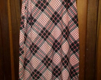 METAL FLAKE PLAID // Vintage Maxi Skirt Silver Red Black Criss Cross Deadstock Size 11/12 S/M High Waisted Long 70's