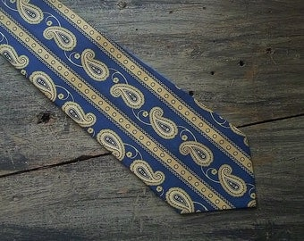 Navy and Cream Necktie - Paisley and Stripes