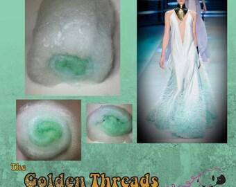 Haute Couture Gradient Art batt Spinning Carded Designer Batt Worsted felting nuno baby blue fiber Romney Wool Firestar bamboo dyed handspun