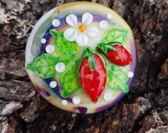 "Lampwork glass cabochon handmade by Glassartist I. Linde ""Strawberries"""