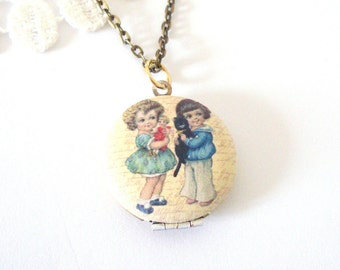 Round Friendship Locket, Best Friends Locket, Vintage Style Necklace, Antiqued