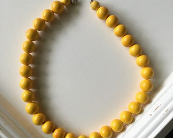 Vintage beaded yellow bubble necklace