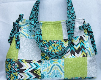Quilted Tote Bag With Side Bow Ties
