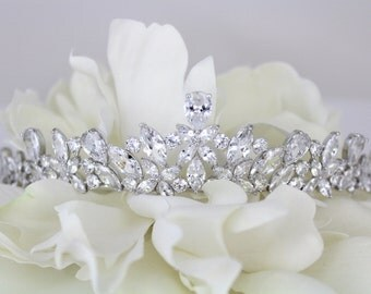 Bridal tiara, Wedding tiara, Bridal headpiece, Crystal tiara, Rhinestone tiara, Wedding headband, Wedding headpiece, Hair accessories